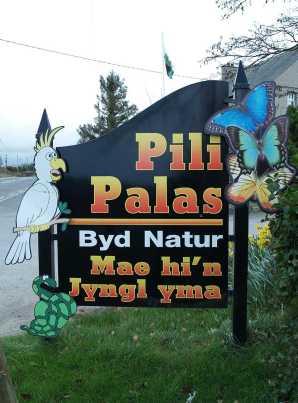Anglesey, Pilis Palas Sign
