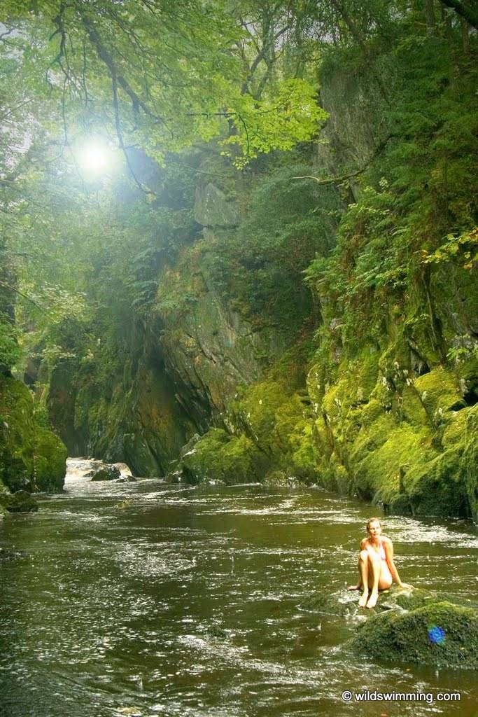 © www.wildswimming.co.uk Daniel Start