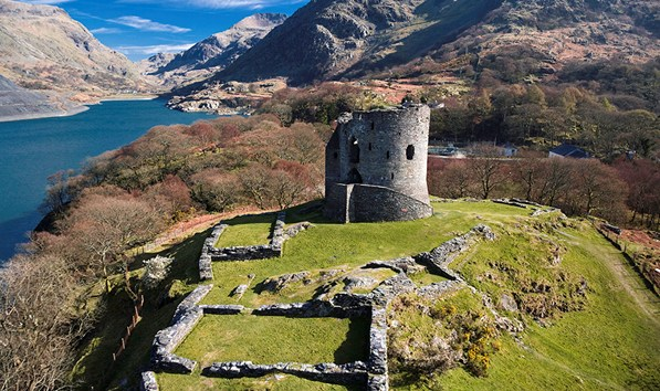 dolbadarn-castle-from-the-air3