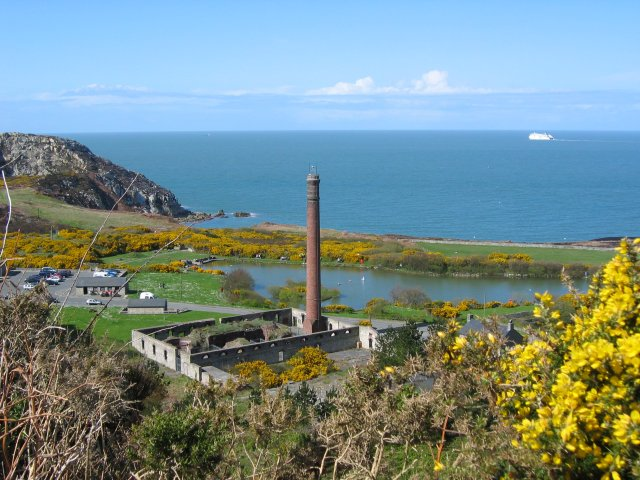 Quarry_(Breakwater_Country_Park)_from_Pen_Gwaith_-_geograph.org.uk_-_60830