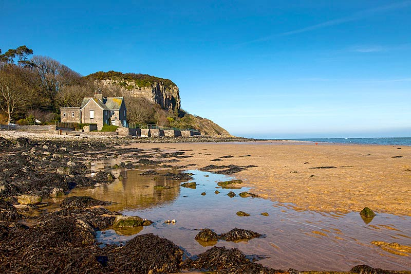 red-wharf-bay-beach-red-wharf-bay-as-small-village-on-the-coast-of-isle-of-anglesey-north-wales