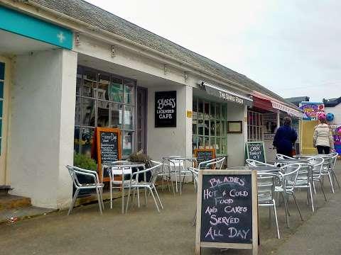 Blades Café