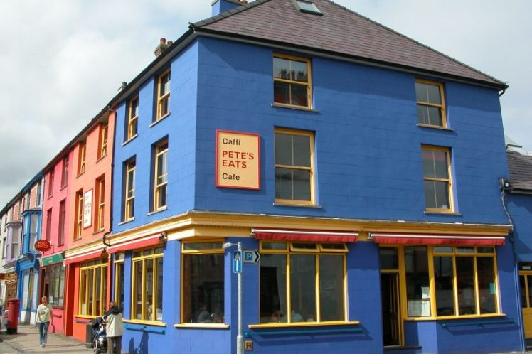 Petes_Eats_Cafe_in_Llanberis_Wales-820x547