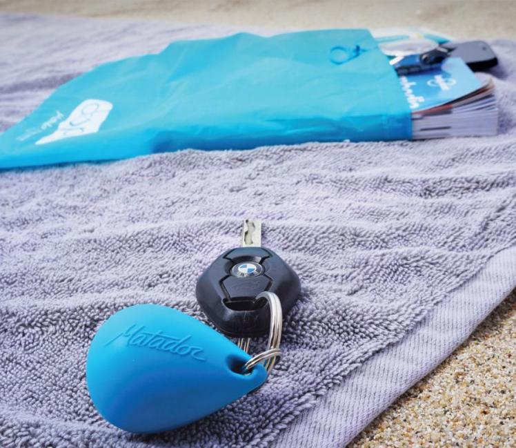 matador-droplet-wet-bag-a-reusable-wet-bag-on-a-key-chain-0