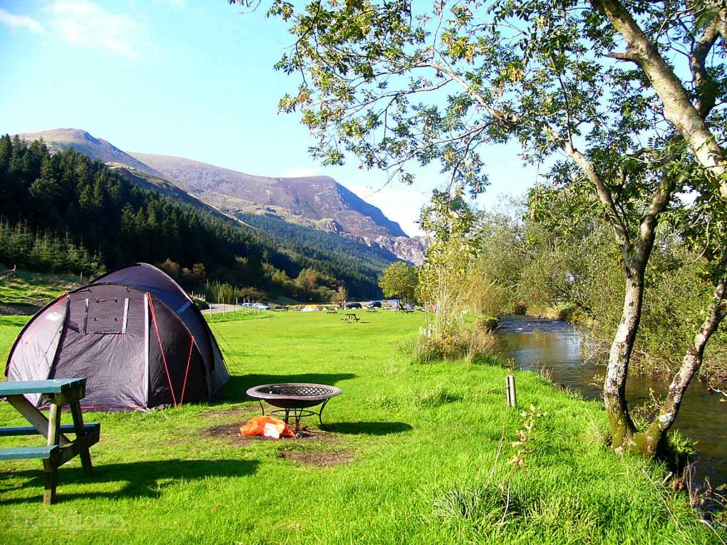 snowdon-valley-camping_snowdon-valley-camping-cwellyn-arms_4