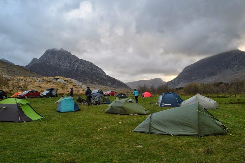 Snowdonia-Gwern-Gof-Uchaf-Campsite-3-1203x800