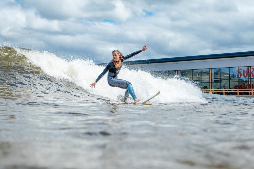 surfsnowdonia image