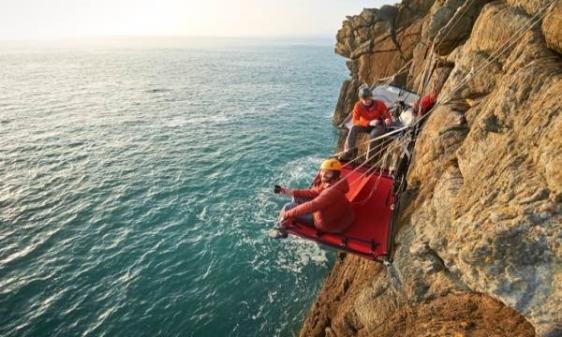 Cliff_Camping_Gaia_Adventures4-1