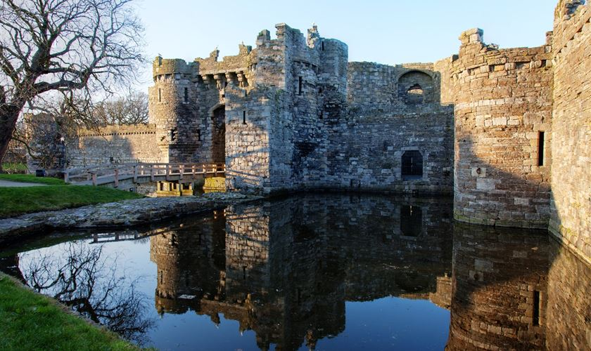 campsites.co.uk - Beaumaris castle