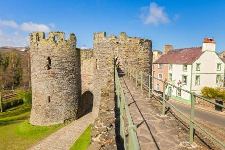 conwy-town-walls-welcometoconwy
