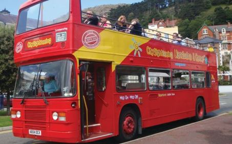 llandudno_hop-on-hop-off-bus.com