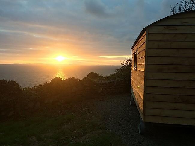 Llwyndu Farm Hut