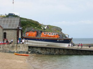 RNLI Porthdinllaen Lifeboat station and Lifeboat. Image RNLI.org